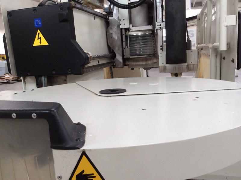 Macchine Per Lavorare Il Legno : Macchina centro di lavoro scm mod record 132 usato